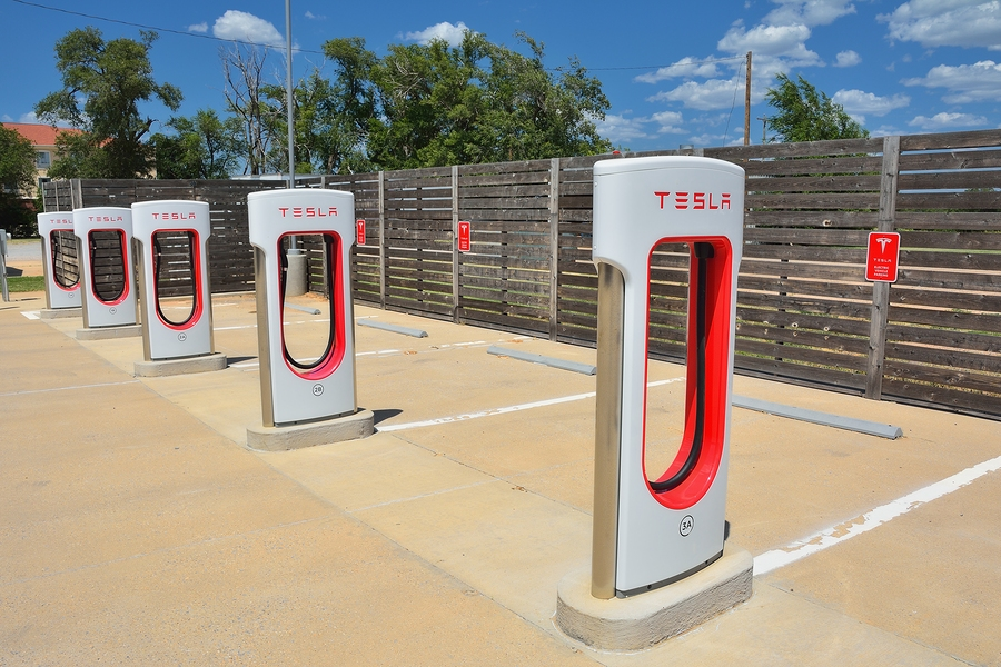 Владелец Tesla Model Sприспособил электрокар для майнинга