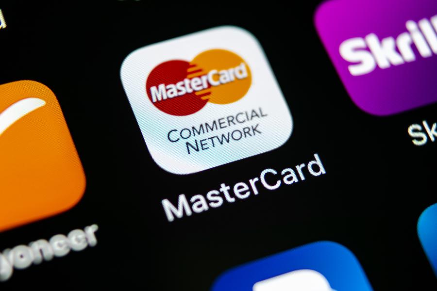 платёжные карты, блокчейн-верификация, кассовое обслуживание