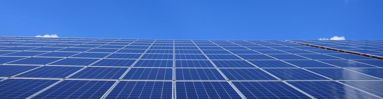 Майнер биткоина снизил свои затраты на 75% благодаря солнечным батареям