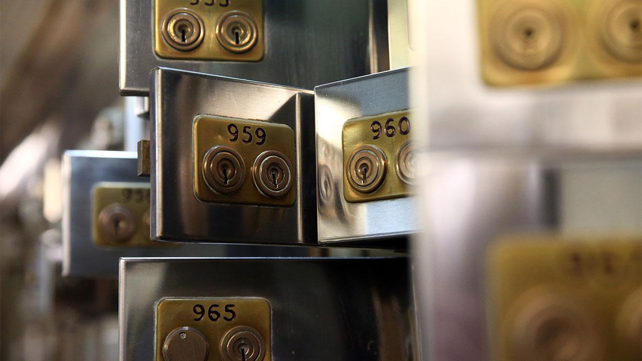 what to put in a safety deposit box - Программист рассказал, как ему удалось «взломать» биткоин-адрес Алистера Милна