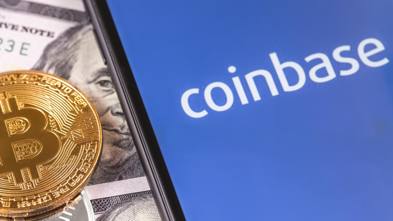 Размещение акций биржи Coinbase откладывается на месяц из-за штрафа CFTC